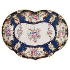 First Period Worcester Porcelain Botanical Blue-Scale Kidney-Shaped Dish