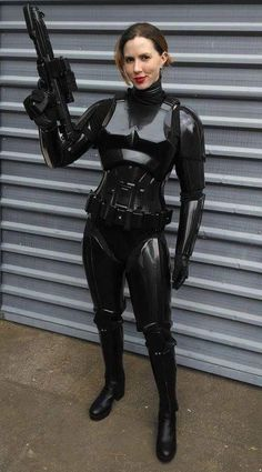 Female stormtrooper black armor Star Wars cosplay - Star Wars Women - Ideas of Star Wars Women women - Female stormtrooper black armor Star Wars cosplay Star Wars Mädchen, Star Wars Girls, Female Stormtrooper, Armadura Cosplay, Bd Comics, Cosplay Girls, Black Armor, Army Girls, Army Women