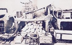 Image of the tomb of Tutankhamun (r. 1327 BCE) taken in 1922 CE or early 1923 CE. The funerary bed is fashioned in the shape of the Celestial Cow. Ancient Egyptian Art, Ancient Aliens, Ancient Greece, Canopic Jars, Tutankhamun, Anglo Saxon, New World Order, Ancient Artifacts, American History