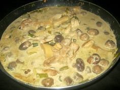 A Thai green chicken curry is always a welcome dish for my loved ones. There is something special about Thai food that draws us back time and again for more. Thai Recipes, Cooking Recipes, Thai Green Chicken Curry, Cheeseburger Chowder, Soup, Dishes, Chef Recipes, Tablewares, Thai Food Recipes
