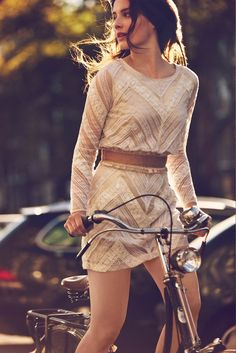 Free People january 2013 fashion, vintage bikes, bicycl, outfit, the dress, ride a bike, romantic dresses, lace dresses, short dresses