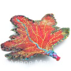 Felt leaf accessory for brooches necklace home by ArianeMariane, €18.00