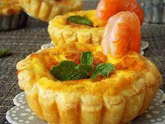 Tartelettes au fromage de chèvre et menthe Quiche Chevre, Quiches, 20 Min, Savory Tart, Carole, Mini Tarte, Charcuterie, Tasty Dishes, Thermomix
