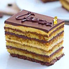 Pastel café y chocolate Elegant Desserts, Sweet Desserts, Sweet Recipes, Pastry Recipes, Dessert Recipes, Opera Cake, Lithuanian Recipes, Food Wishes, Sponge Cake Recipes
