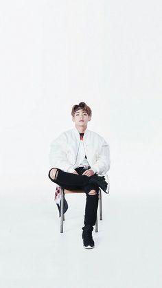Mr Kim Taehyung can you be less attractive cause this look is Not Today. Daegu, V Bts Cute, I Love Bts, V Taehyung, Jhope, Bts Boys, Bts Bangtan Boy, V Bts Wallpaper, Bts Lockscreen