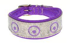 Mit seinen schlichten aufgestickten Kreisen passt dieses Halsband aus Filz zu jedem Hund. Breite ca. 4 cm, in zahlreichen Farbkombinationen erhältlich.