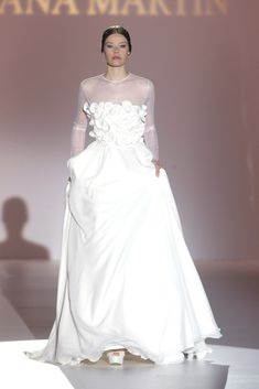 Juana Martín #azahar Fabulous Dresses, Wedding Wishes, Formal Dresses, Wedding Dresses, One Shoulder Wedding Dress, Minimal, Fashion, Celtic Wedding, Themed Weddings