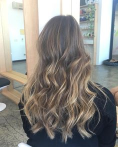 """408 mentions J'aime, 7 commentaires - Hair Salons Across Australia (@_edwardsandco) sur Instagram: """"2 rare Colour appointments available on Friday @ 2pm and 3:30pm in #edwardsandcoalexandria with…"""""""
