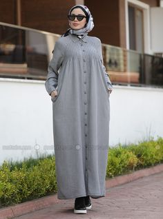 The perfect addition to any Muslimah outfit, shop Neways's stylish Muslim fashion Gray - Point Collar - Unlined - Denim - Dress. Find more Dress at Modanisa! Hijab Dress, Hijab Outfit, Dress Outfits, Abaya Fashion, Muslim Fashion, Fashion Dresses, Iranian Women Fashion, Fancy Sarees, Abayas