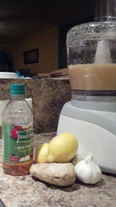 domowy antybiotyk imbir, czosnek, cytryna, ocet jablkowy Healthy Life, Healthy Living, Healthy Drinks, Healthy Recipes, Natural Medicine, Diy Food, Cholesterol, Apple Cider, Health And Beauty