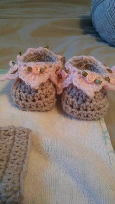 Baby & Toddler Clothing Hospitable Beautiful Baby Girls Hand Knitted Hat 0-3mths In Pink With Pink Rose Buds New