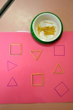 Montessori exercise for fine motor skills and it is very nice through the blackboard – Artofit Creative Activities For Kids, Preschool Learning Activities, Indoor Activities For Kids, Educational Activities, Toddler Activities, Preschool Activities, Kids Learning, Teaching Resources, Shapes