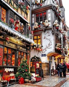 A real-life Christmas Village - Petite Haus