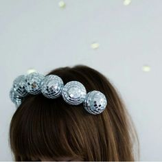 Ball Headband Claim instant life-of-the-party status with this DIY disco-ball headband.Claim instant life-of-the-party status with this DIY disco-ball headband. New Years Outfit, New Years Eve Outfits, New Years Eve Party, Diy Headband, Headbands, New Year Headband, Rainbow Headband, Makeup Fx, Diy Crown