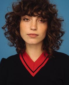 42 trendy ideas for hairstyles curly bangs short bobs Curly Hair With Bangs, Curly Hair Cuts, Short Curly Hair, Hairstyles With Bangs, Curly Hair Styles, Cool Hairstyles, Hair Bangs, Curly Mullet, 1950s Hairstyles