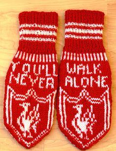 Ingridstua: Votter for fotballfans i familien - Lilly is Love Knitting Charts, Knitting Patterns Free, Free Knitting, Free Pattern, Crochet Patterns, Baby Mittens, Knit Mittens, Mitten Gloves, Alone
