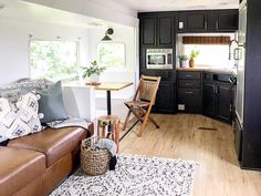 Looking to replace or upgrade your RV sofa bed? Check out this list of ideas with pictures and links that will help you find the perfect RV sofa bed of your camper, or trailer. Tiny House Living, Rv Living, Rv Sofa Bed, Comfortable Futon, Rv Homes, Rv Interior, Remodeled Campers, Beautiful Living Rooms, Camper Life