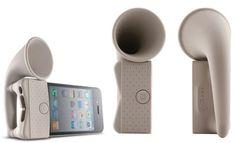 Le Bone Horn Stand est un amplificateur non-alimenté pour l'iPhone 4, fonctionnant comme ces hauts-parleurs en forme de corne sur les gramophones. C'est un