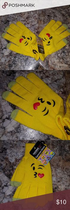 Yellow Emoji Kiss Adult Winter Gloves One Size Brand new. 100% Acrylic One Size Adult Accessories Gloves & Mittens