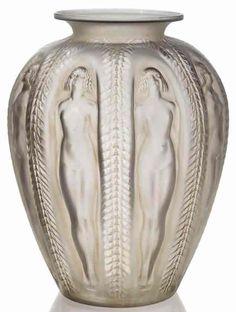 R. Lalique Vase Luxembourg, circa 1929