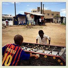 Open-air foosball game, Dakar, Senegal Football Cards, Senegal Travel, Africa Travel, Cities In Africa, South Afrika, Barcelona, African Market, Casamance, Sport