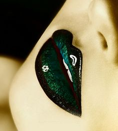 Emerald Green #makeup, #lips, #pinsland, https://apps.facebook.com/yangutu