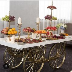 Wheeled cart catering display