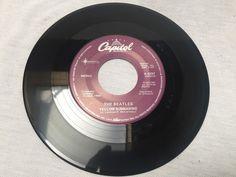 45 Vinyl Record Capital The Beatles X-6297 MONO Yellow Submarine / Eleanor Rigby