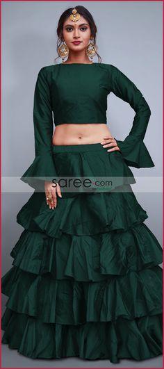 Buy Online New and Latest Lehenga Choli Designs of 2020 New Saree Blouse Designs, Choli Blouse Design, Half Saree Designs, Choli Designs, Kurta Designs Women, Lehenga Designs, New Designer Dresses, Indian Designer Outfits, Lehnga Dress