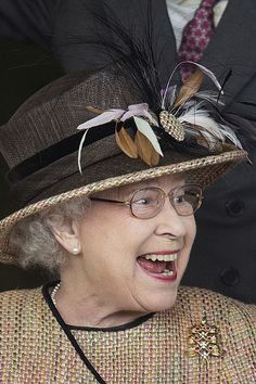 30 Times Queen Elizabeth Proved That Hats Make the Outfit - - Here's a crazy stat: Queen Elizabeth II has worn hats over the duration of her reign. Die Queen, Hm The Queen, Royal Queen, Her Majesty The Queen, Save The Queen, Royal Uk, Prinz Charles, Prinz William, English Royal Family