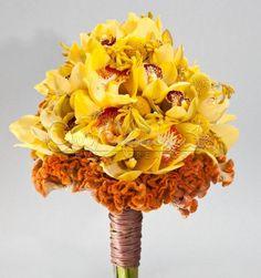 I colori del sole per un bouquet radioso perfetto per un matrimonio estivo.