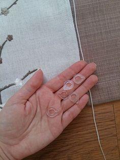 Римские шторы: как крепить на карниз?, фото № 6 Small Space Living, Small Spaces, Roman Shades, Wayfarer, Heart Ring, Blinds, Needlepoint, Manualidades, Art
