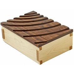 Decorative Boxes : Rippling-Waves Keepsake Box Woodworking Plan from WOOD Magazine -Read More – Woodworking Joints, Woodworking Patterns, Woodworking Workbench, Woodworking Workshop, Woodworking Techniques, Woodworking Furniture, Fine Woodworking, Woodworking Crafts, Woodworking Classes