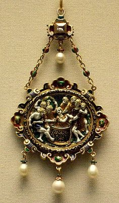 Gold enamelled pendant | Flickr - Renaissance style