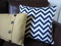 KrisKraft: Easy DIY Throw Pillows....i looked at her blog and it is super simple. need to recover two of our throw pillows anyways. perfect and cute. love the chevron