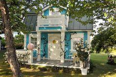 Talo Raunistulassa: Onnellin ja Annelin satupuutarha Arch, Outdoor Structures, Mansions, House Styles, Garden, Tiny Houses, Gothic, Home Decor, Vintage