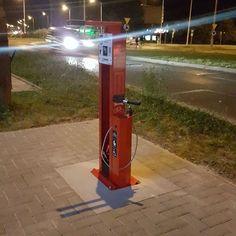 regram @powiatswidnik Samoobsługowa stacja naprawy rowerów jest czynna 24 godziny na dobę. :) #swidnik #rowery #ruchrowerowy #stacjerowerowe #lubelszczyzna #lubelskie #polska