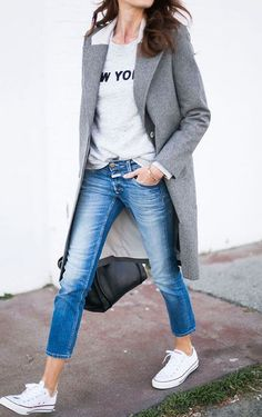 34 Super Ideas For Sweatshirt Outfit Ideas Minimal Classic Estilo Converse, Sneakers Fashion Outfits, Outfits With Converse, White Converse, White Sneakers, Cute Office Outfits, Stylish Outfits, Fall Outfits, Outfits Damen