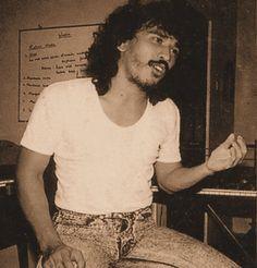 'Indonesian Bob Dylan' Iwan Fals Fb Quote, Art Story, Dance Art, Moustache, Hero, Entertaining, Memories, Deviantart, Bob Dylan