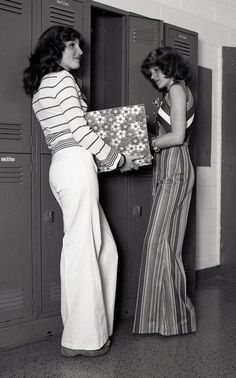 Seventies high school outfits