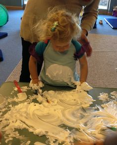 Shaving cream with spatulas, paintbrushes, large knobbed stamps