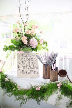 Real #wedding ideas - US weddings - classic weddings http://www.weddingandweddingflowers.co.uk/article.php?id=671 Photography: Watson-Studios