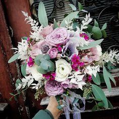 Bride Bouquets, Floral Wreath, Wreaths, Home Decor, Bridal Bouquets, Floral Crown, Decoration Home, Door Wreaths, Room Decor