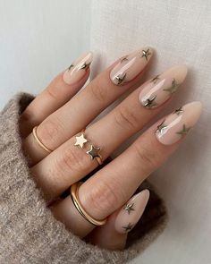50 Hottest Gold Nail Design Ideas to Spice Up Your Inspirations