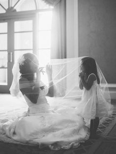 I LOVE THIS! Flower girl and Bride
