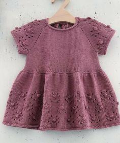 Baby Cardigan Knitting Pattern Free, Baby Knitting Patterns, Baby Patterns, Knitted Baby Clothes, Crochet Clothes, Crochet Toddler, Crochet Baby, Knit World, Baby Winter