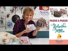 Bolsinha Milla - DIY - YouTube Bag Organization, My Bags, Sewing Tutorials, Planners, Diy And Crafts, Patches, Pouch, Purses, Fabric