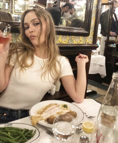 Lily Rose Depp Style, Lily Rose Melody Depp, Lily Depp, Pretty People, Style Icons, Pretty Woman, Cool Girl, Celebs, Celebrities