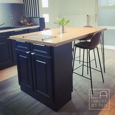 Extended kitchen island with a high table thanks to 2 feet HAIRPIN LEGS reinforced Source by lafabriquedespieds Diy Kitchen, Kitchen Decor, Ikea Hack, Home Kitchens, Kitchen Remodel, Kitchen Island, Sweet Home, New Homes, Interior