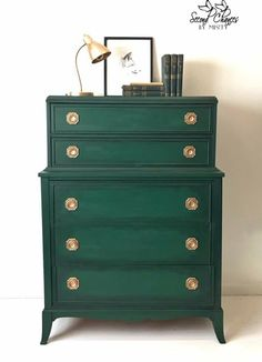 Chalk Paint® by Annie Sloan in Amsterdam Green and Black Chalk Paint® Wax make a stunning combination for a dresser with classic lines and antique gold hardware. Project by Second Chances by Misty. LOVE this color for white dresser Furniture Projects, Furniture Makeover, Furniture Decor, Furniture Stores, Cheap Furniture, Furniture Buyers, Furniture Design, Discount Furniture, Furniture Websites